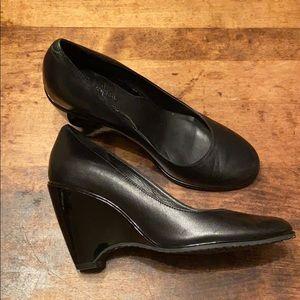 🍋COLE HAAN NIKE AIR black wedge heel Sz 8